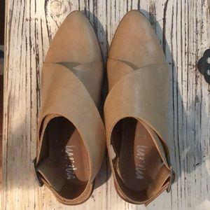Cute bootie shoe